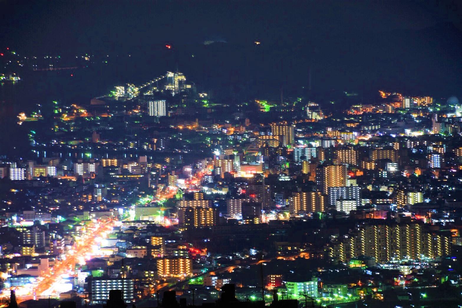 ここは都会?あっと驚く夜景がここに。「正連寺」