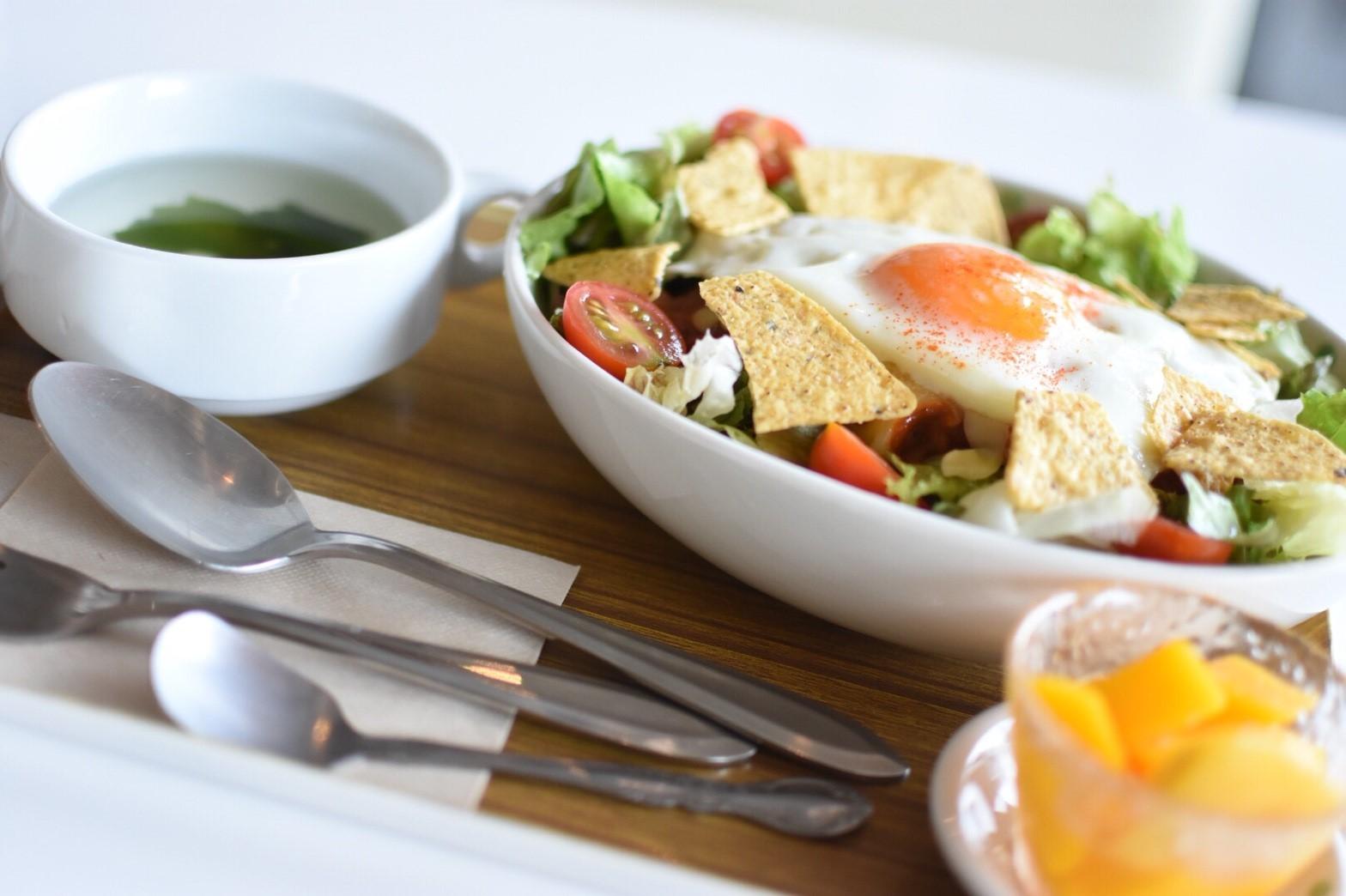 旬のお野菜が体にも美味しい!清潔感溢れるカフェでゆっくりランチ「みさきcafe」