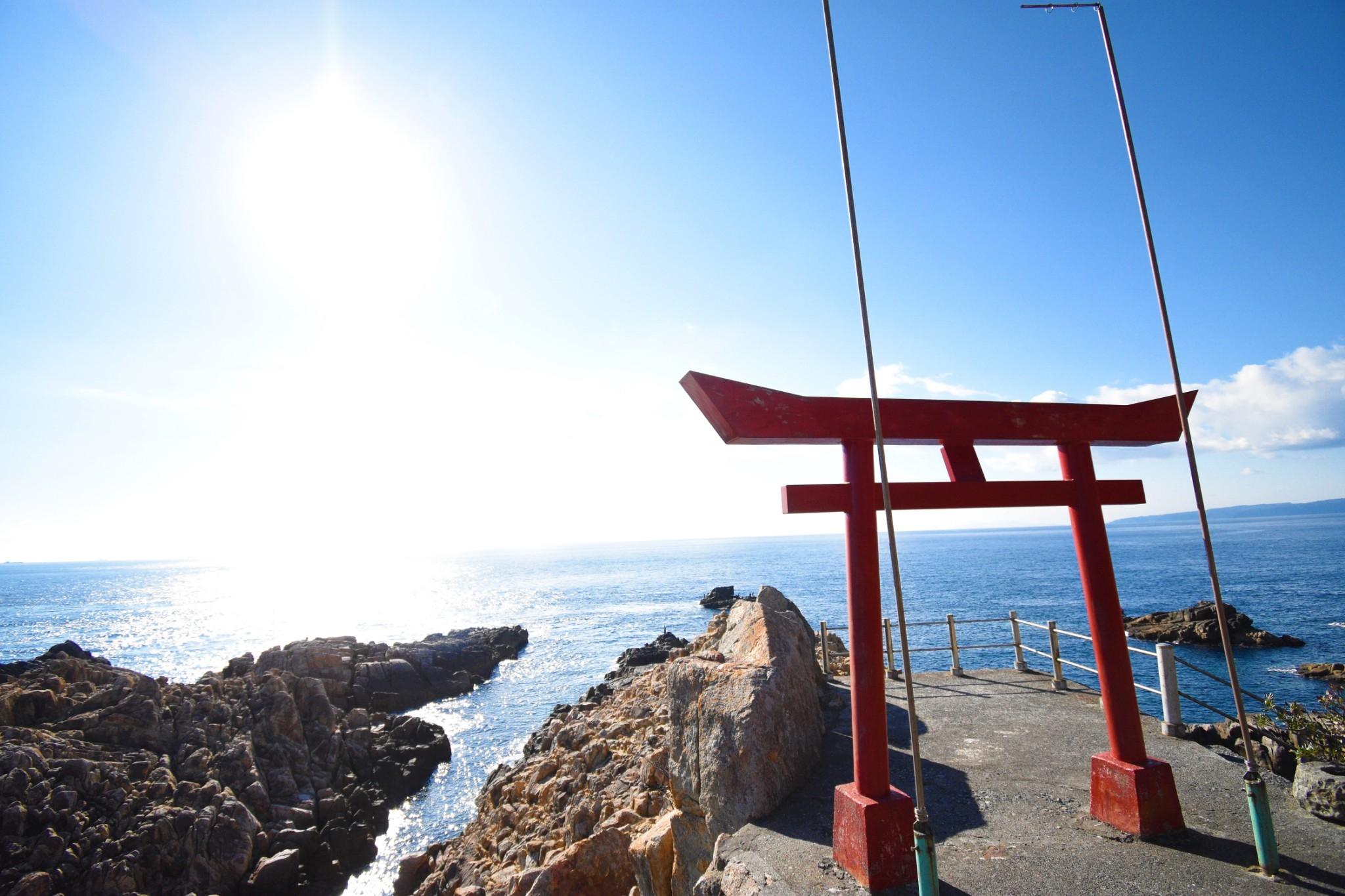 神話!海の神様が眠る土佐清水のパワースポット「竜宮神社」