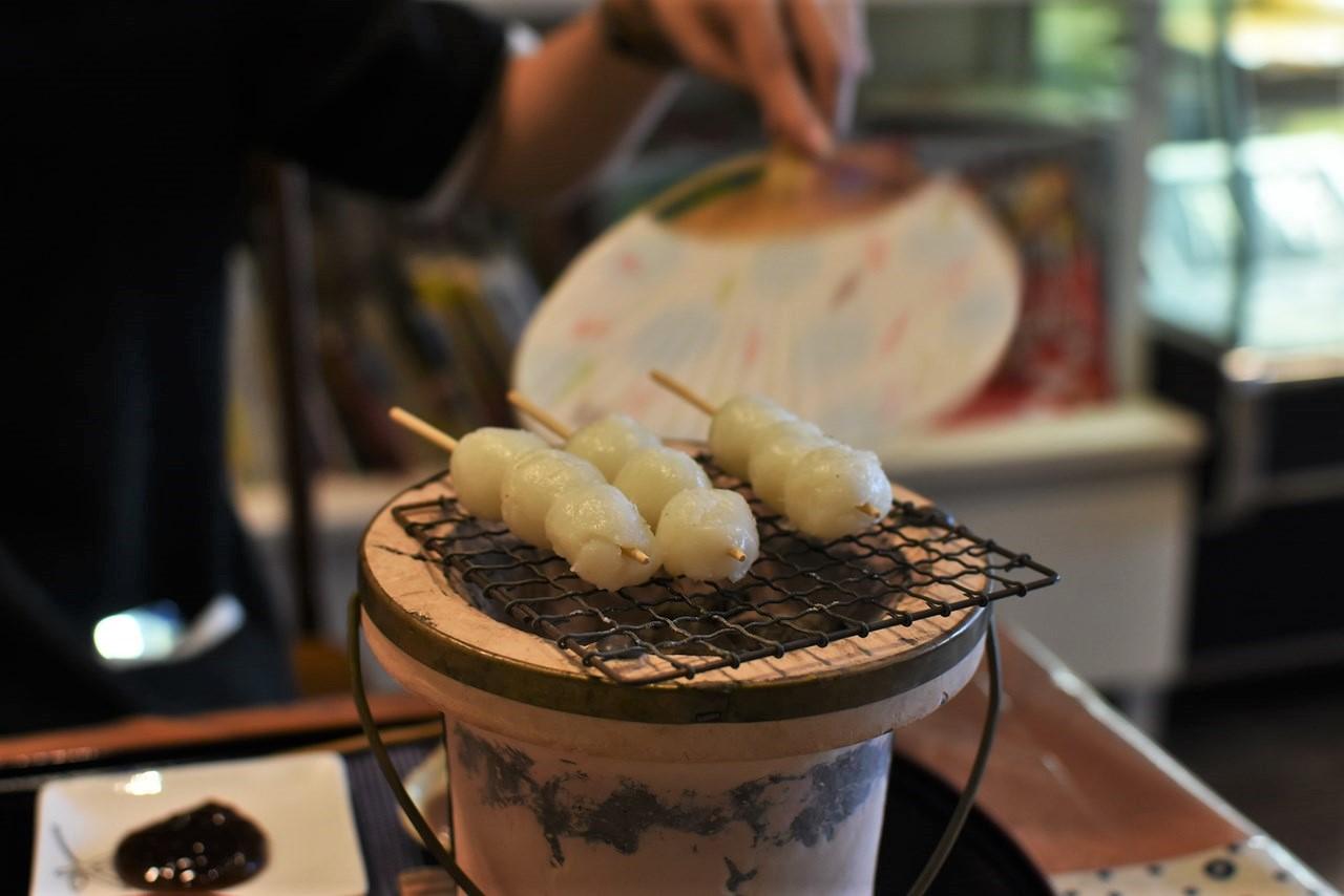 【新月】土佐のお団子屋さん!老舗御菓子司でお茶時間。
