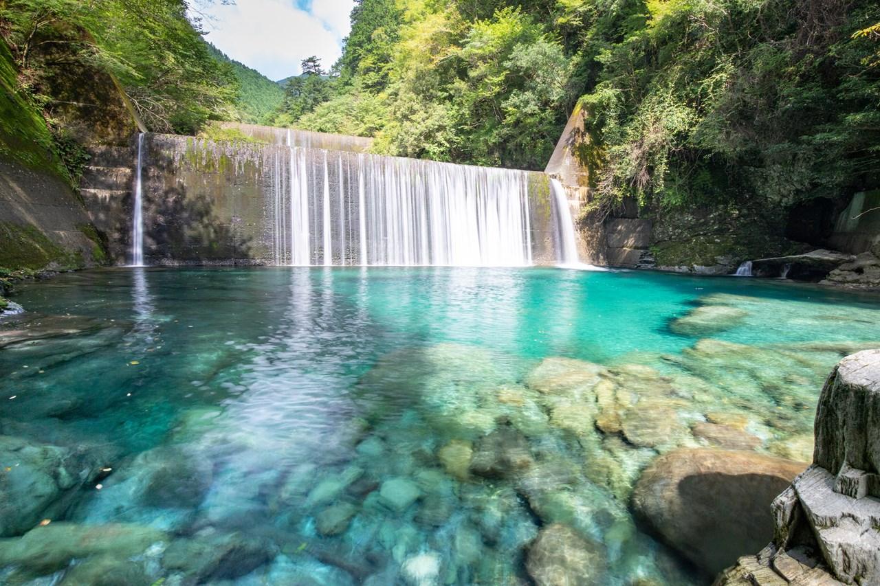 【水晶淵】日本最高峰の水質。仁淀ブルーの頂点がここにある。