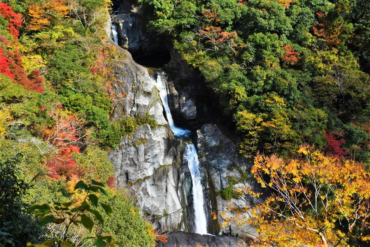 【轟の滝】選ばれた滝100選。驚愕の三連滝つぼ!